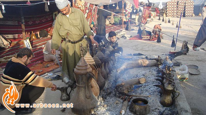 خادمین موکب در حال درست کردن قهوه